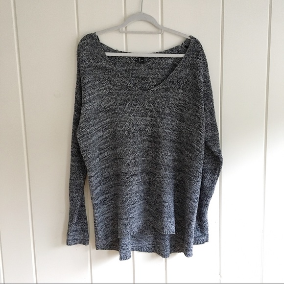 H&M Sweaters - H&M tunic heathered scoop neck sweater